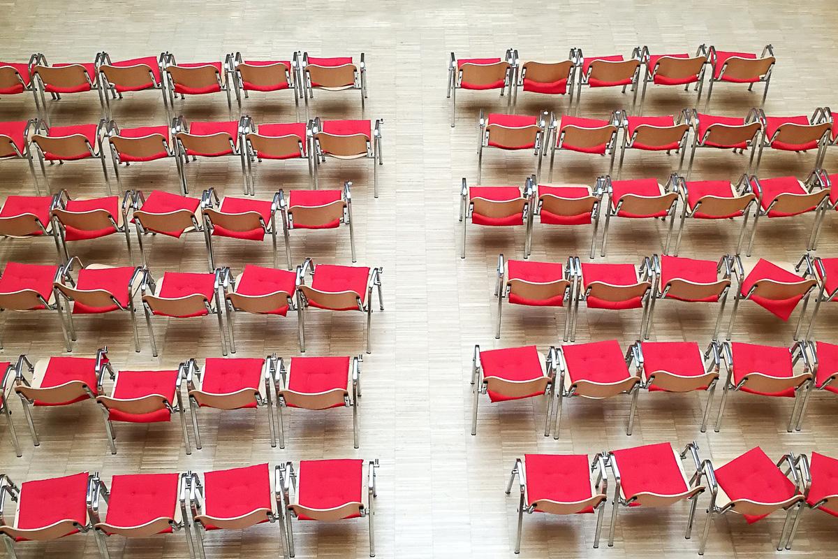 Keine Lesungen – Leere Stuhlreihen – Kein Geld für Autoren