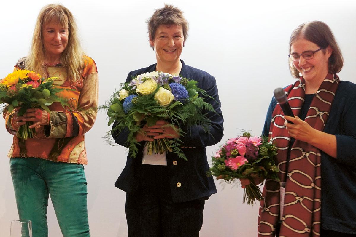 Shirley Michaela Seul (links), Sandra Uschtrin (Mitte) und Jana Stahl (rechts)