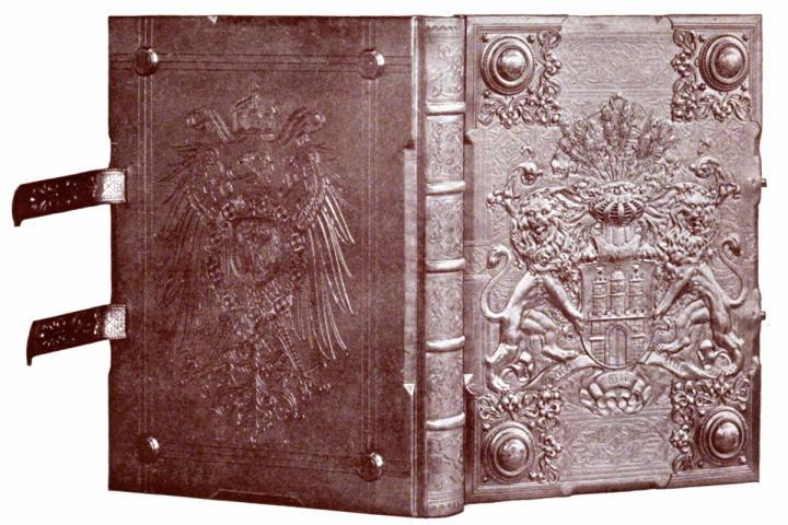 Bild mit altem Buch