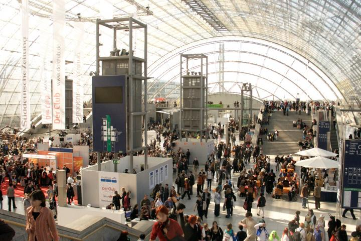 Leipziger Buchmesse will mit Autoren-Shelfie eine Autorencommunity ins Leben rufen