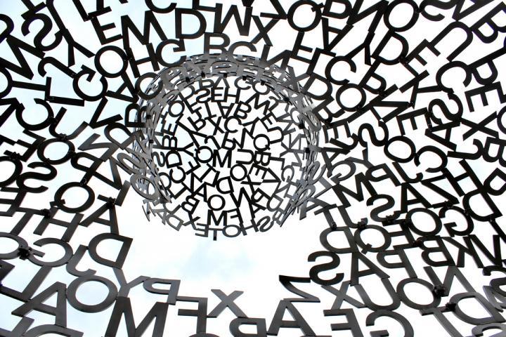 Positionspapiere zur Lyrik sind auf der Website des Vreins Netzwerk Lyrik herunterladbar