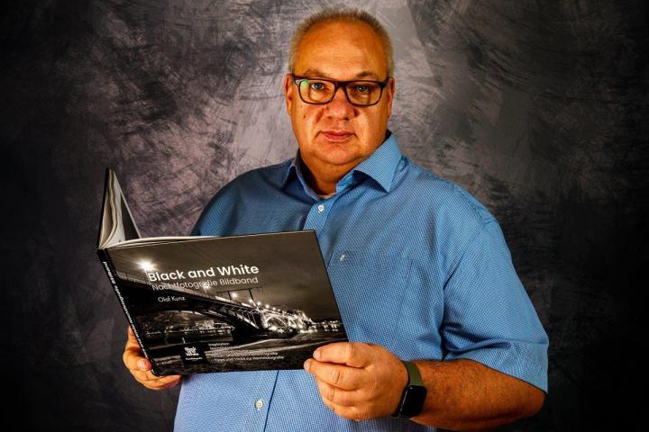 Olaf Kunz, Shortlist-Kandidat beim Selfpublishing-Buchpreis 2020, über sein Sachbuch »Black and White. Nachtfotografie Bildband«